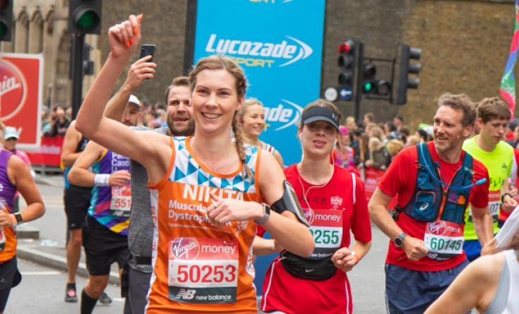 Nikita Ellithorn running the London Marathon on behalf of MDUK.